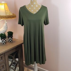 Everly olive green v neck Tee shirt swing dress Lg